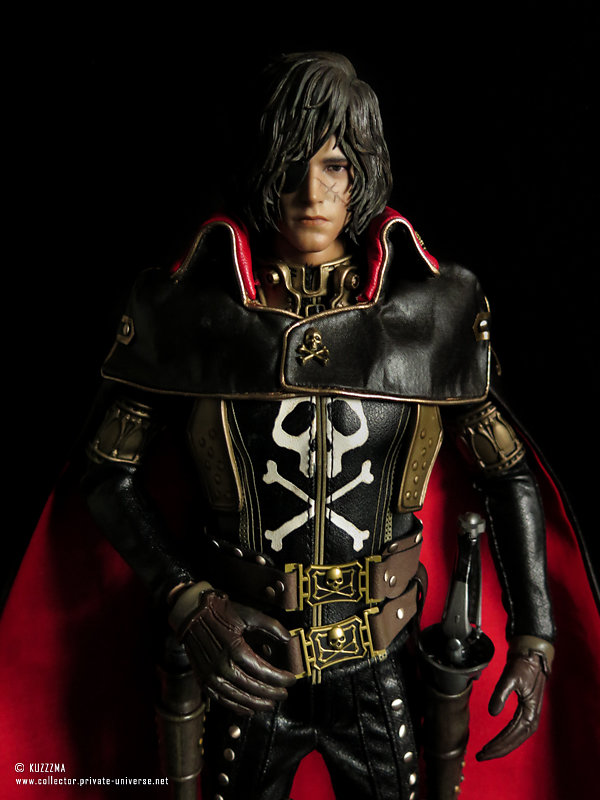 Captain Harlock | with weapons